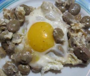uova con le fave